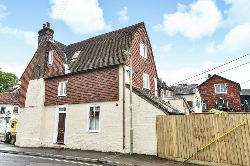 4 Bedrooms End Of Terrace House for sale in Alton, Hampshire
