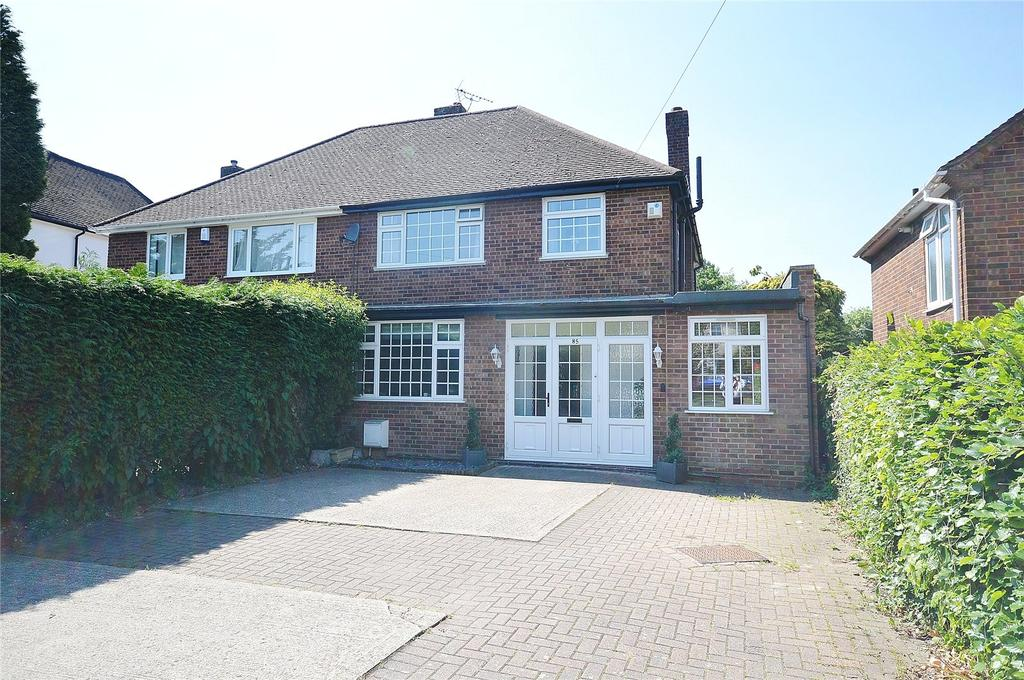 4 Bedrooms Semi Detached House for sale in High Road, Leavesden, Hertfordshire, WD25
