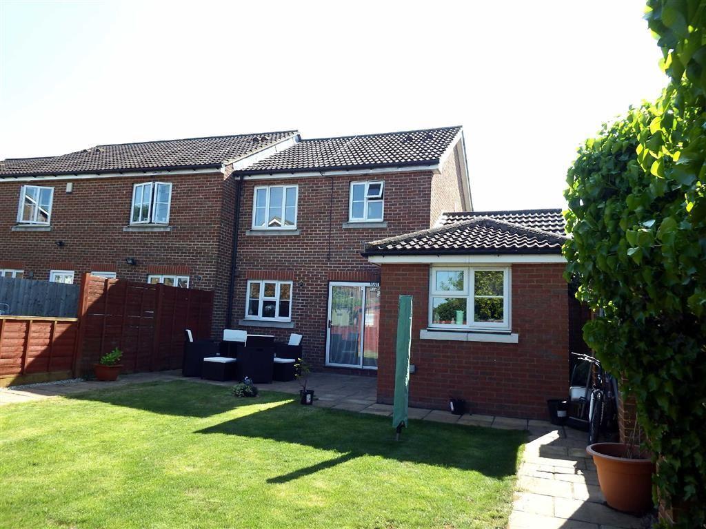 3 Bedrooms End Of Terrace House for sale in Old Bourne Way, Stevenage, Hertfordshire, SG1
