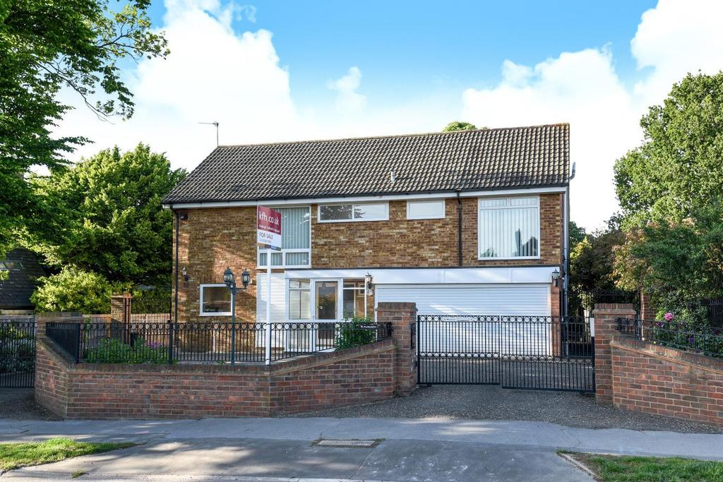 6 Bedrooms Detached House for sale in Oldfield Road, Bromley