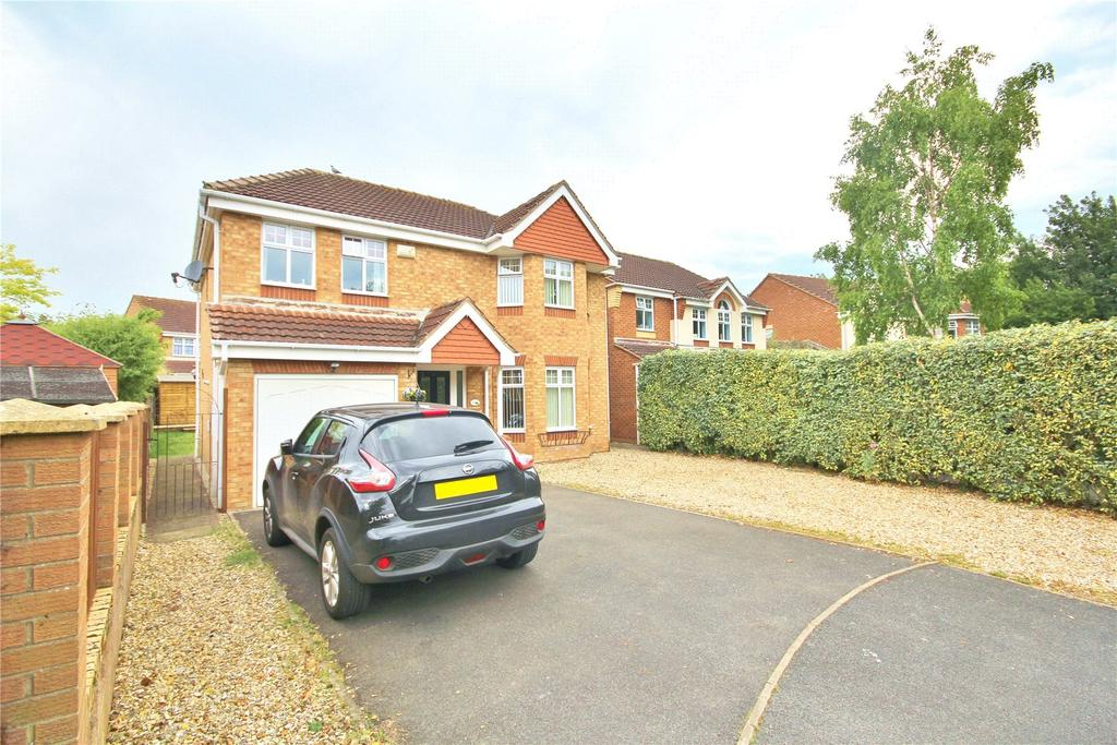 4 Bedrooms Detached House for sale in Salisbury Close, Saxilby, LN1