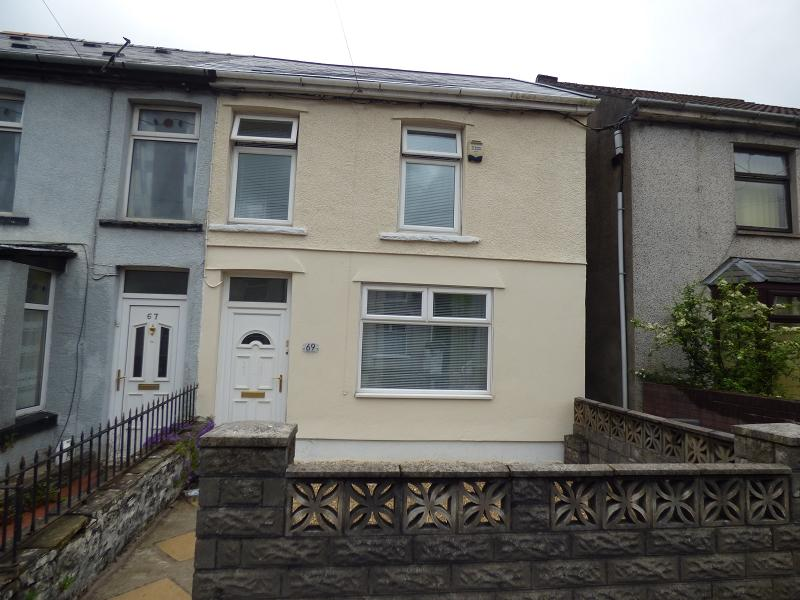 3 Bedrooms Semi Detached House for sale in Ogwy Street, Nantymoel, Bridgend. CF32 7SN