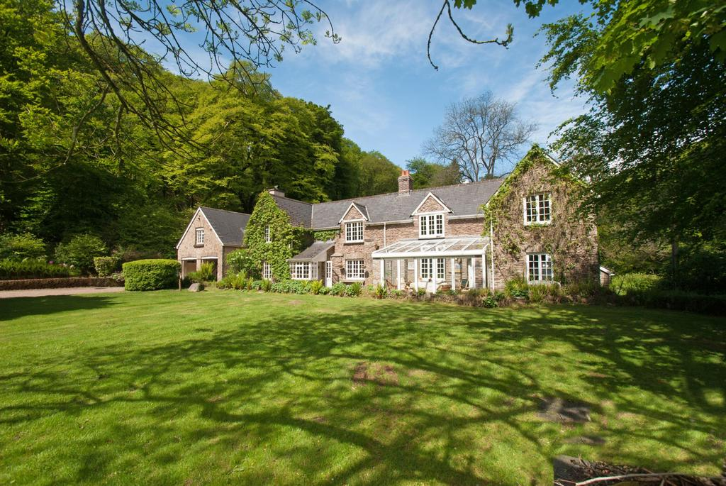 5 Bedrooms Detached House for sale in Dulverton, Exmoor