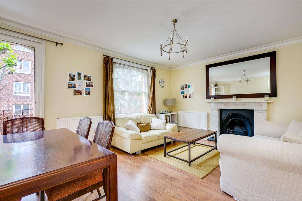 3 Bedrooms Flat for sale in Munster Road, Parsons Green, London