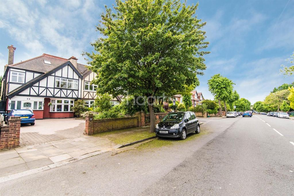7 Bedrooms Semi Detached House for sale in Cleveland Road, West Ealing