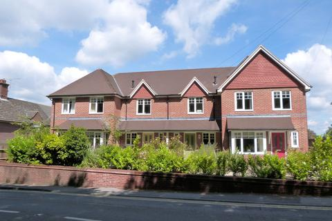 2 bedroom terraced house to rent - Woodland Gardens, Hindhead