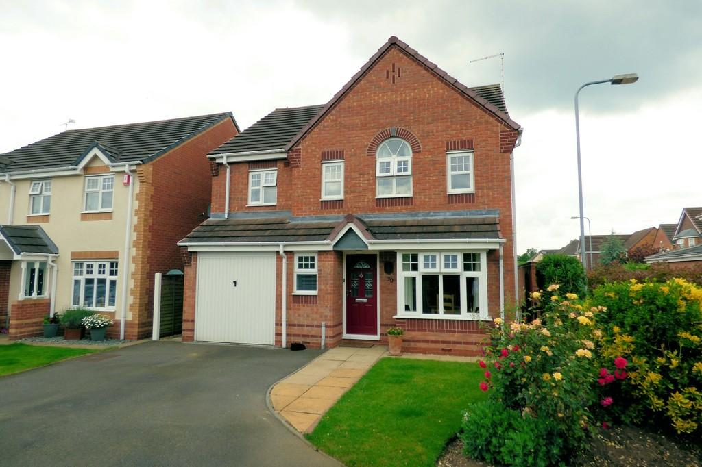 4 Bedrooms Detached House for sale in Amberlands, Stretton