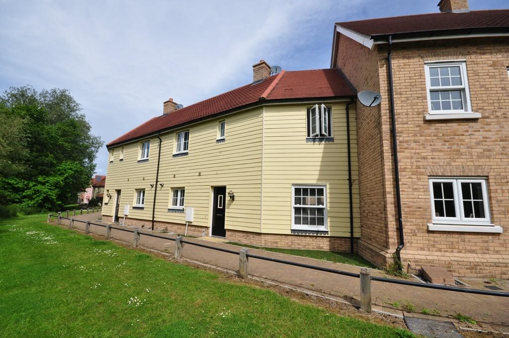 3 Bedrooms Terraced House for sale in River Bank Walk, Colchester