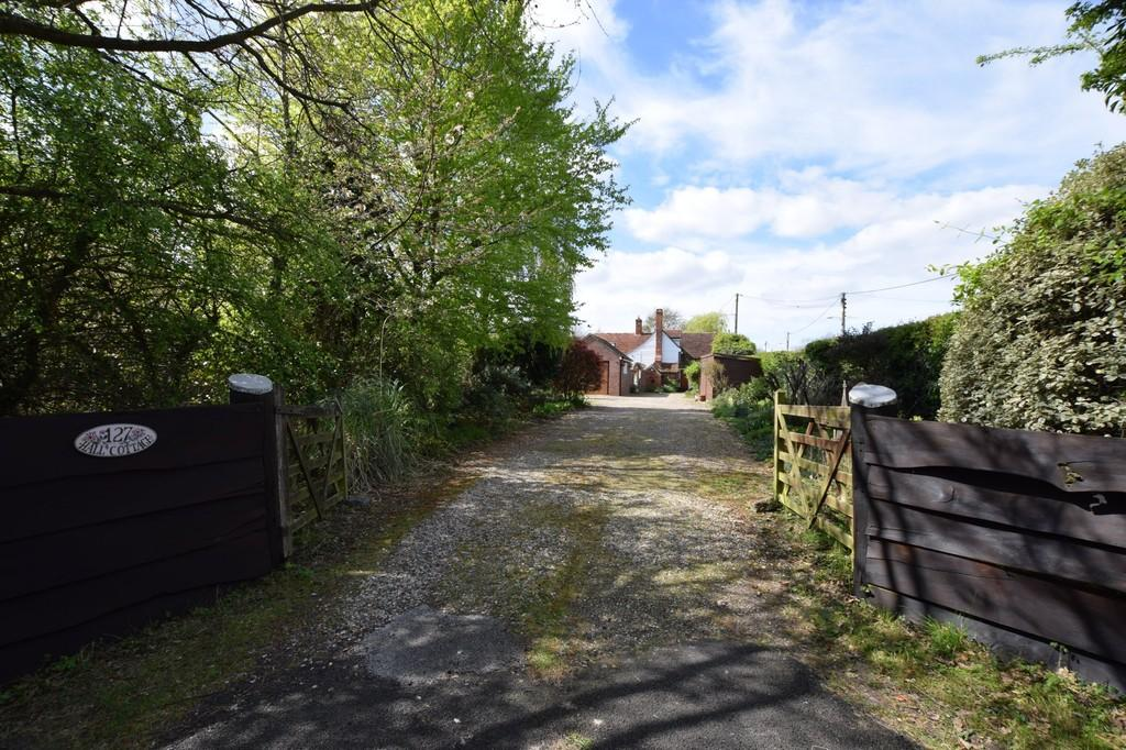 3 Bedrooms Cottage House for sale in Little Clacton, Clacton-on-Sea, CO16 9NY