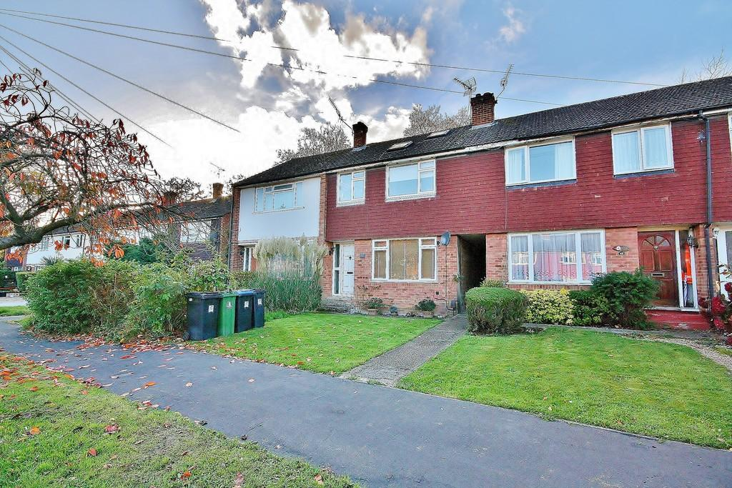 4 Bedrooms Terraced House for sale in St. John's, Woking
