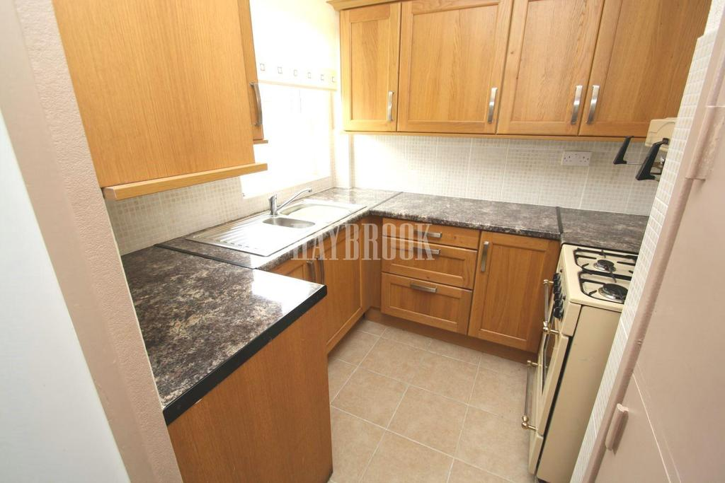 2 Bedrooms Terraced House for sale in Adastral Avenue, Charnock, S12
