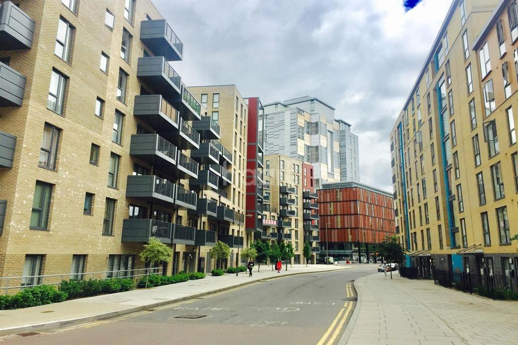 1 Bedroom Flat for sale in Crawford Court, Charcot Road, NW9 5HG