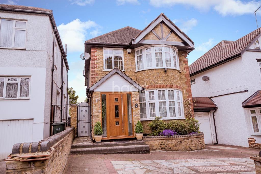 4 Bedrooms Detached House for sale in Waterfall Road, New Southgate, N11