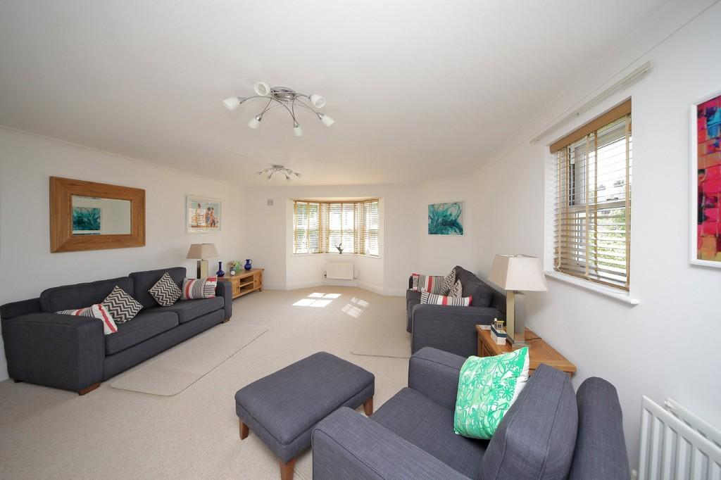 2 Bedrooms Apartment Flat for sale in Avon View, Shipston Road, Stratford-upon-Avon