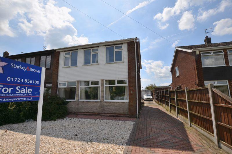 3 Bedrooms Semi Detached House for sale in Park Avenue, Scunthorpe