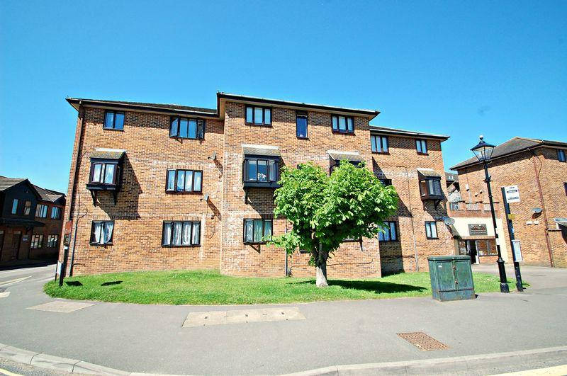 1 Bedroom Flat for sale in Linden Drive, LISS, Hampshire, GU33