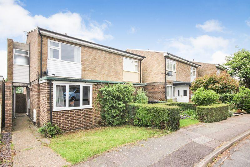 3 Bedrooms Semi Detached House for sale in Dines Close, Wilstead