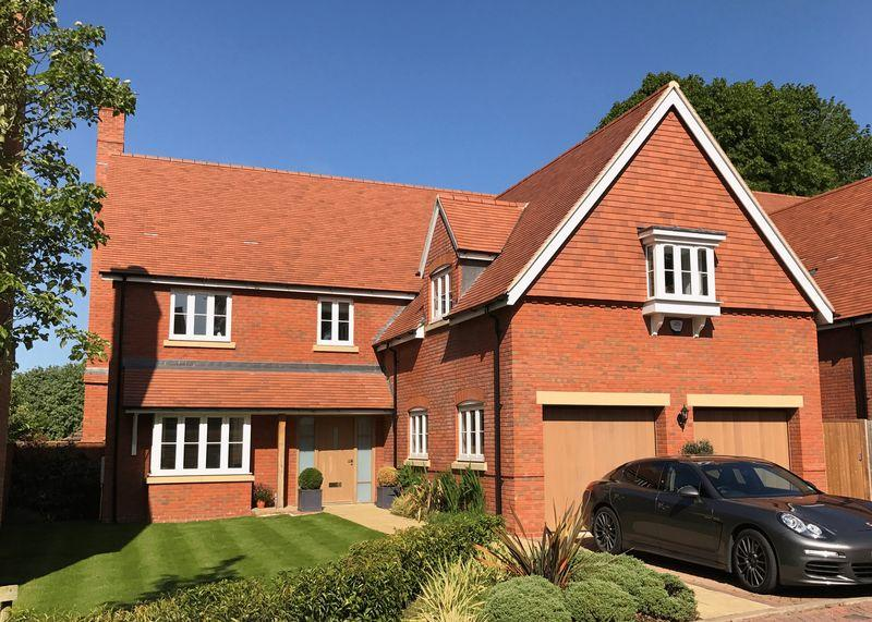 5 Bedrooms Detached House for sale in Woodlands Brook, Wantage