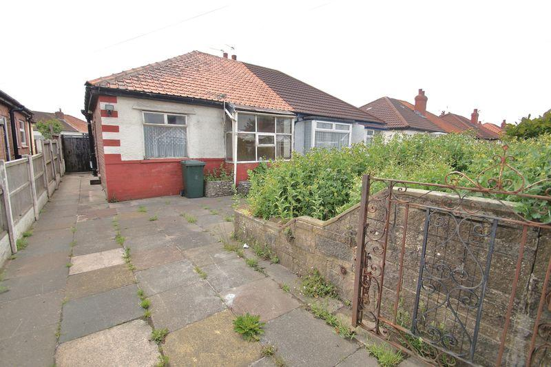 2 Bedrooms Semi Detached Bungalow for sale in Bonds Lane, Southport