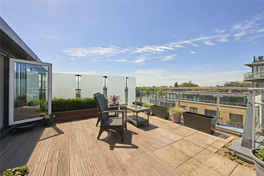 3 Bedrooms Penthouse Flat for sale in Kew Bridge Road, Brentford, Middlesex, TW8