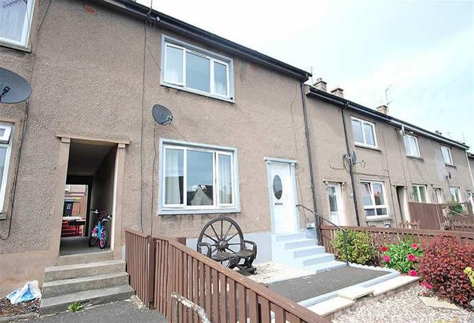 2 Bedrooms Terraced House for sale in 20 Queens Way, Earlston, TD4 6EY