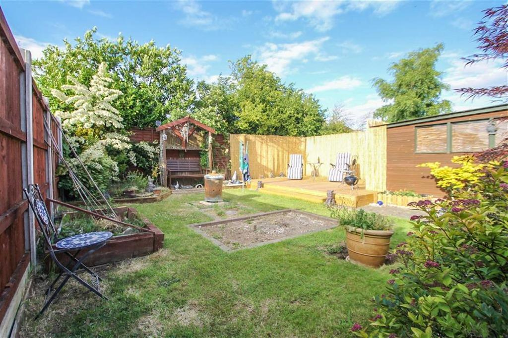 2 Bedrooms Detached Bungalow for sale in North Road, Great Clacton