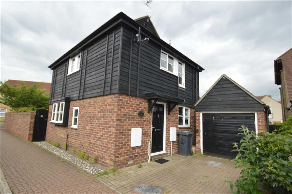 2 Bedrooms Detached House for sale in Millview Meadows, Rochford, Essex