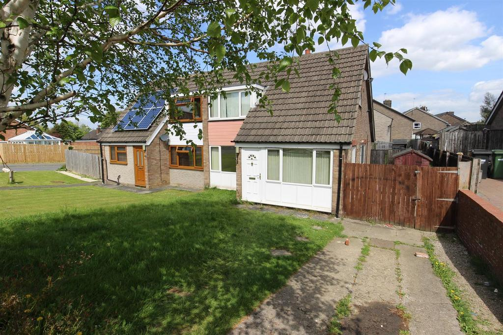 3 Bedrooms Semi Detached House for sale in Byng Road, Catterick Garrison