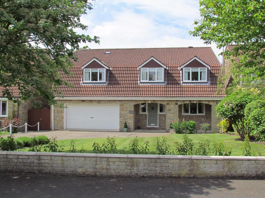 5 Bedrooms Detached House for sale in Westlands, Pickering