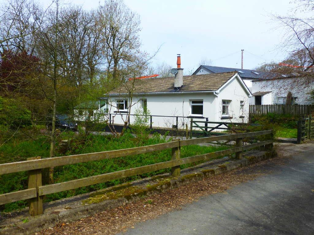 2 Bedrooms Cottage House for sale in Oakford, Nr Llanarth