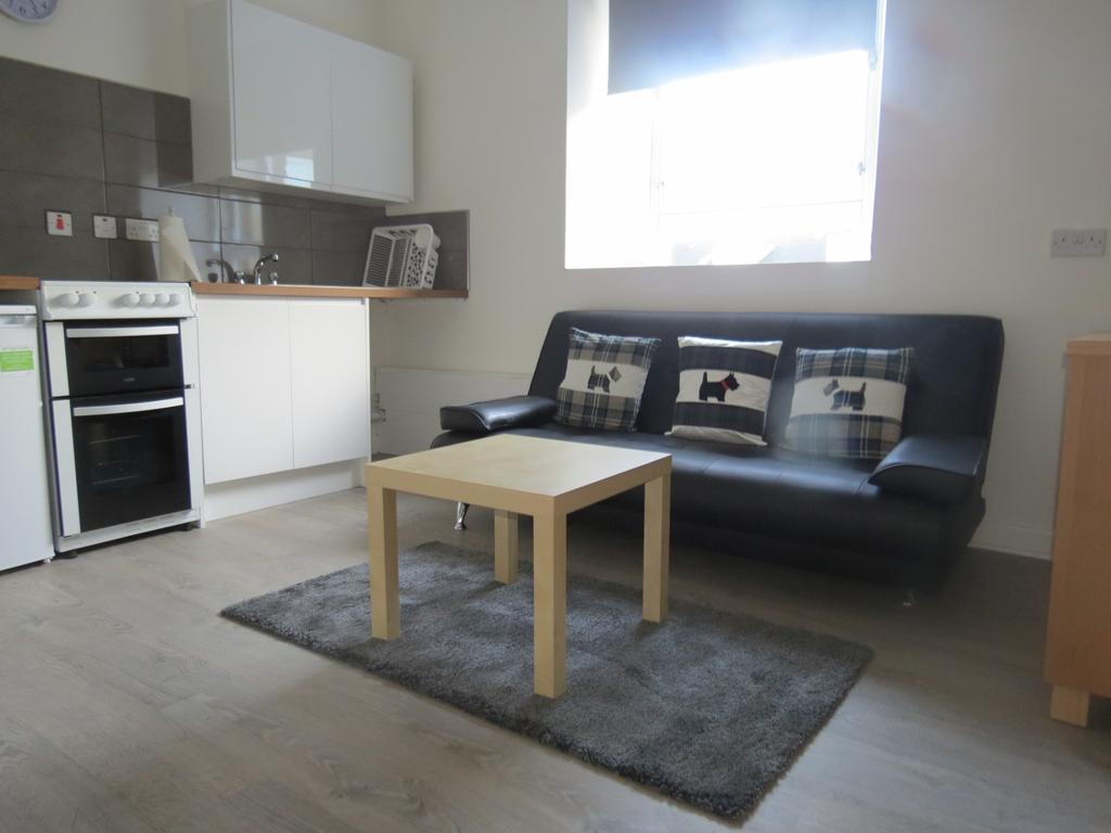 1 Bedroom Flat for sale in Clavering Street West, Paisley PA1