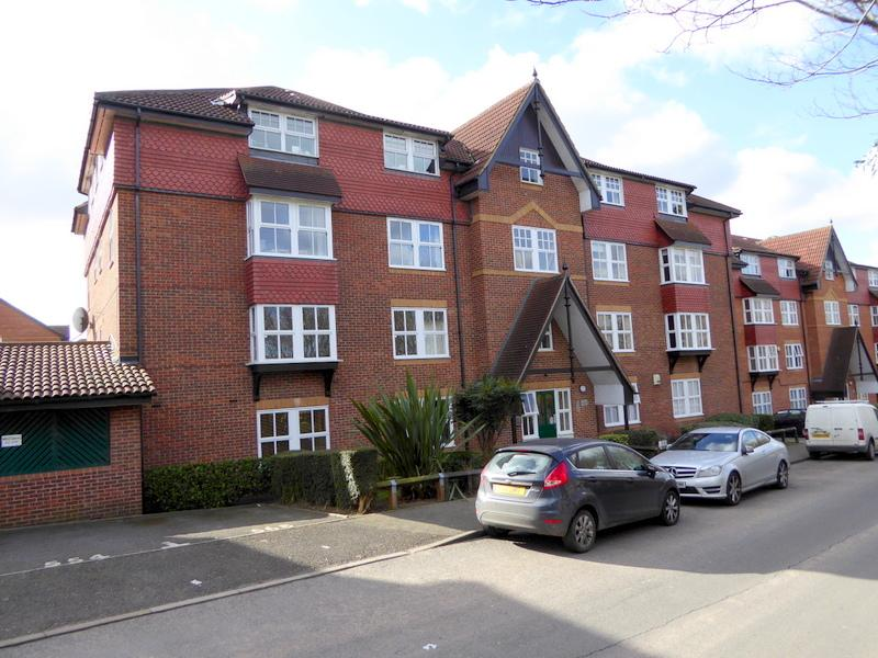 2 Bedrooms Apartment Flat for sale in Dartford DA2