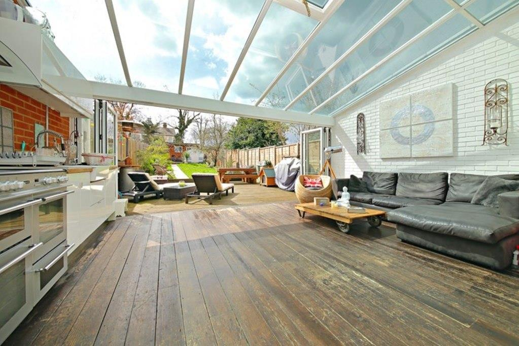 4 Bedrooms House for sale in Haycroft Gardens, London