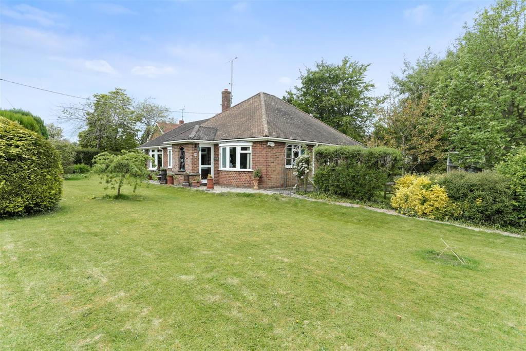 3 Bedrooms Bungalow for sale in High Street, Pewsey