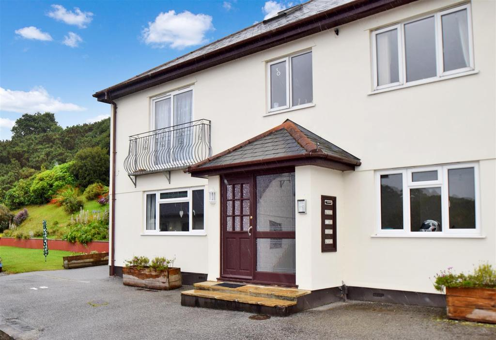 2 Bedrooms Apartment Flat for sale in Swanpool, Falmouth