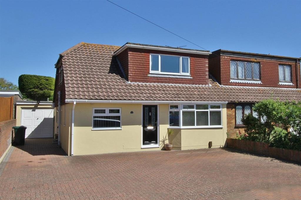 4 Bedrooms Semi Detached Bungalow for sale in The Brow, Woodingdean