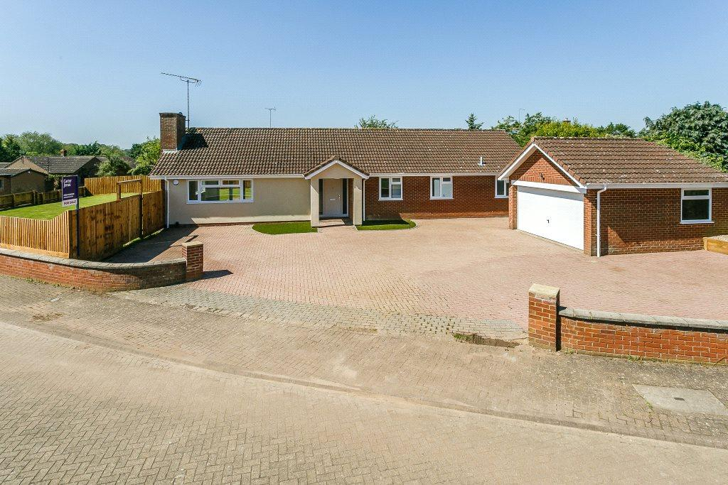 4 Bedrooms Detached Bungalow for sale in Whitegates, Northampton, Northamptonshire, NN4