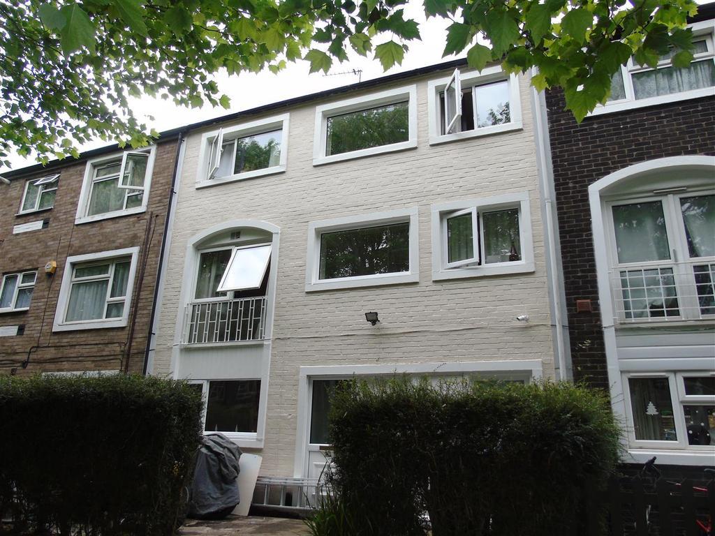 3 Bedrooms Town House for sale in Scholars Walk, Hatfield