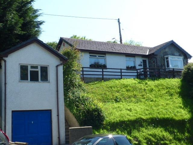 3 Bedrooms Bungalow for sale in Penymorfa Lane, Carmarthen