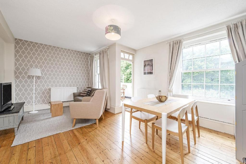 3 Bedrooms Flat for sale in Charlbert Street, St John's Wood, NW8