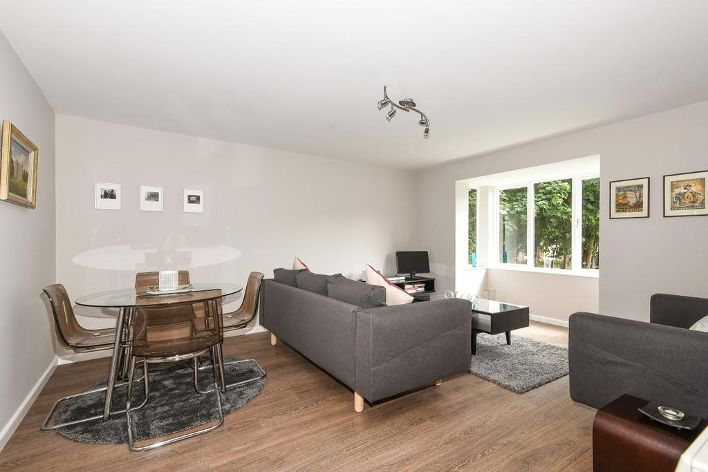 2 Bedrooms Flat for sale in Collingwood Close, Anerley, SE20