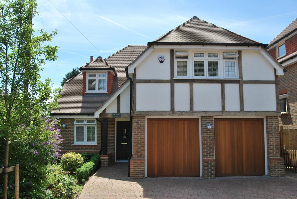 5 Bedrooms Detached House for sale in Hayes Lane Bromley BR2