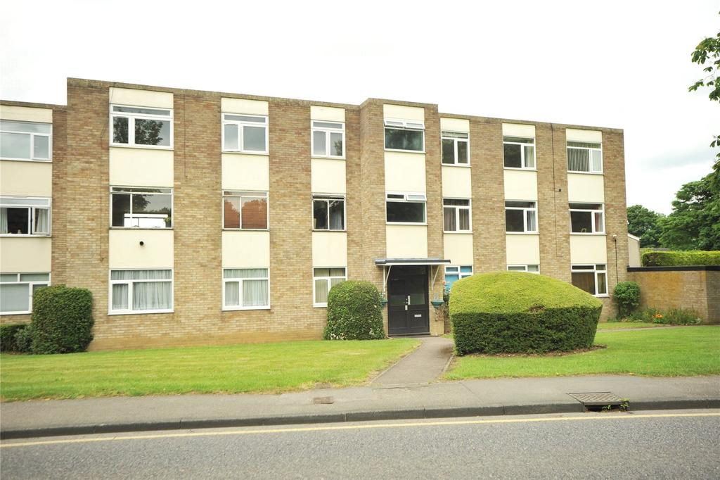 2 Bedrooms Apartment Flat for sale in Thorndon Court, Eagle Way, Brentwood, Essex, CM13