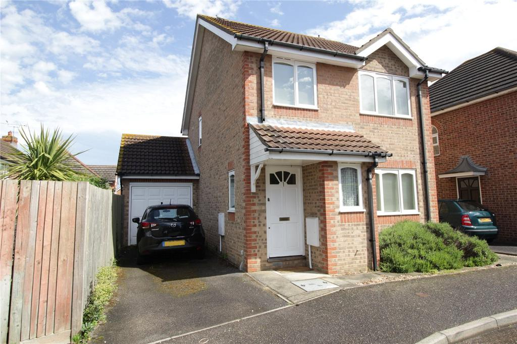 3 Bedrooms Detached House for sale in Reading Close, Langdon Hills, Essex, SS16