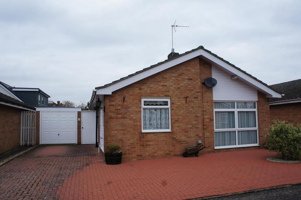 2 Bedrooms Bungalow for sale in Simdims, Cranfield, Bedfordshire