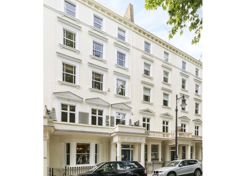 3 Bedrooms Flat for sale in St. Georges Square, Pimlico, London, SW1V