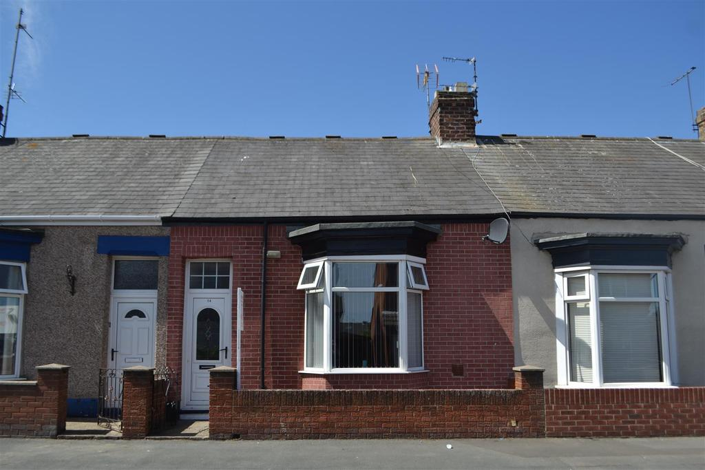 2 Bedrooms Cottage House for sale in Stansfield Street, Roker, Sunderland