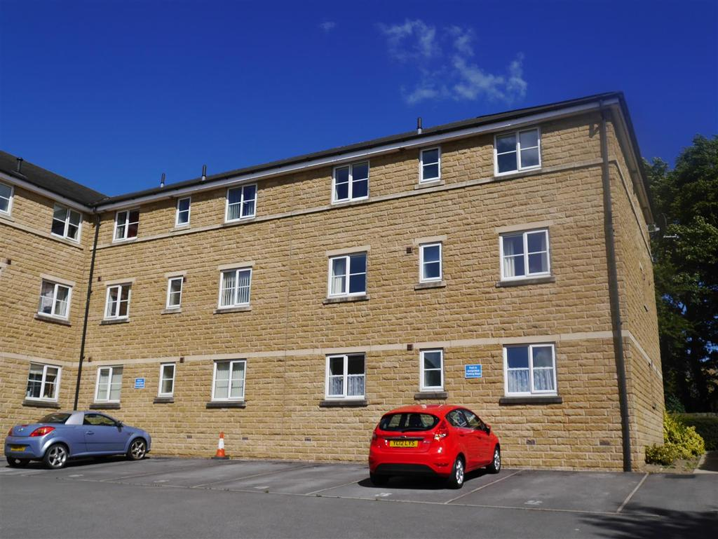 2 Bedrooms Apartment Flat for sale in Bradford Road, Birkenshaw, BD11