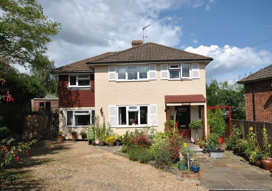 4 Bedrooms Detached House for sale in Grayswood, Haslemere, GU27