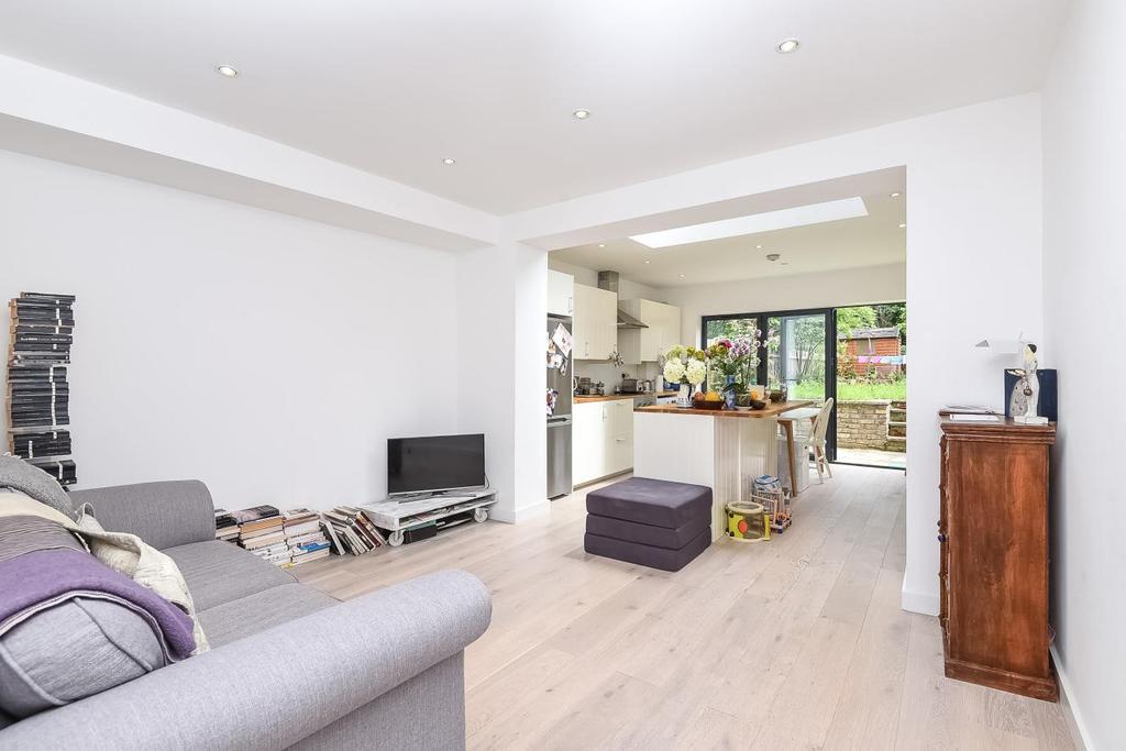 1 Bedroom Flat for sale in Tyrwhitt Road, Brockley, SE4